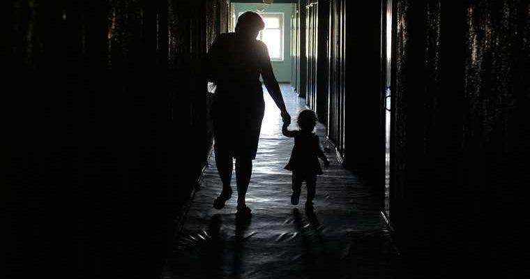 В России начали усыновлять детей сирот онлайн