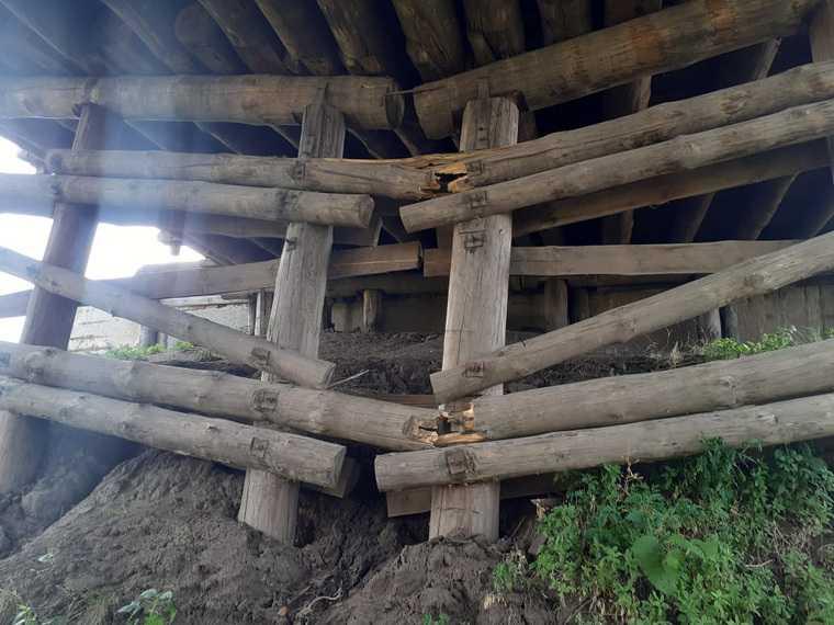 В курганской деревне закрыли аварийный мост. Жители ездят по другому, тоже опасному