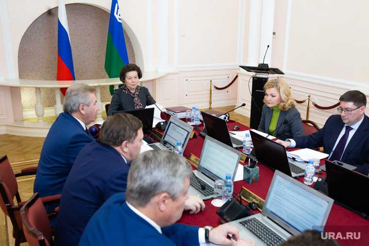 Вице-губернаторы ХМАО Максимова Бухтин Шипилов сведения о доходах