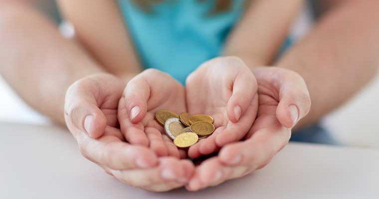 выплаты в августе вылаты путин дети продление минфин