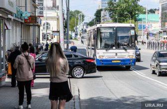 активисты обстреляли автобус полиция