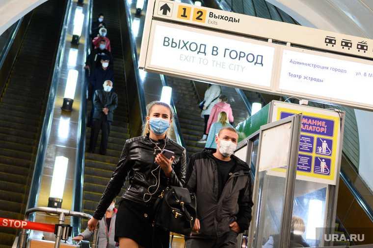 Названы сроки победы над коронавирусом в РФ