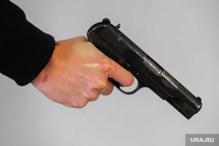Челябинск полиция вымогательство оружие