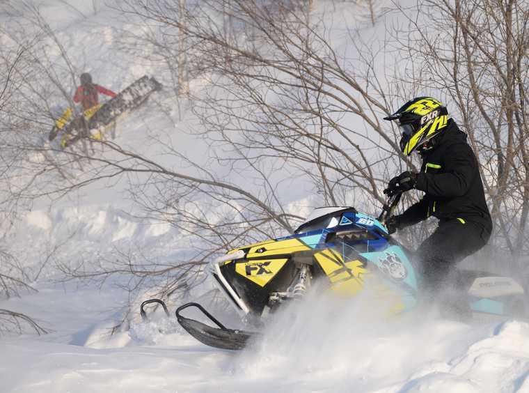 снегоходчик рассказал встреча туристы пропали перевал дятлова