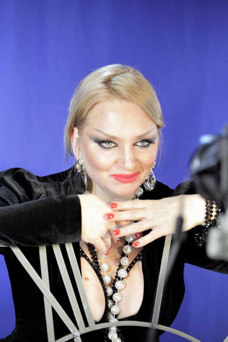 Исполнительница хита «За Путина» посвятила песню летчику Юсупову. Фото
