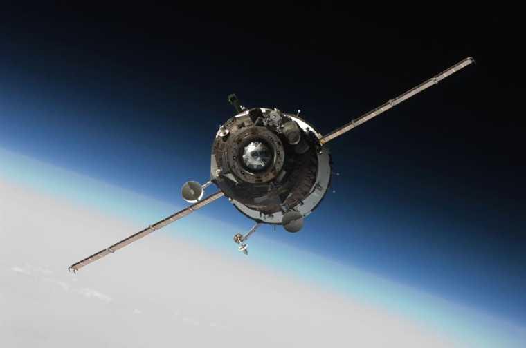 мкс космос космонавты 8 марта поздравление видео