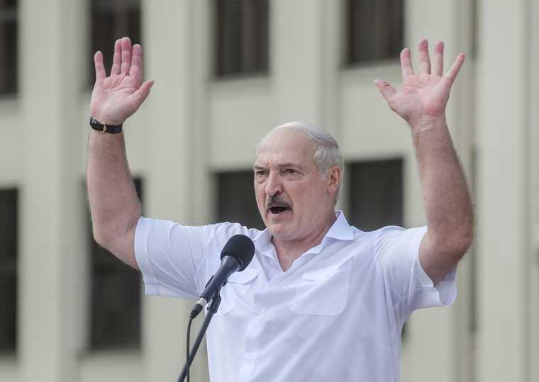 Политолог Лукашенко придумал покушение на себя чтобы защититься