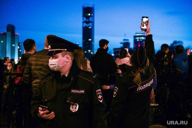 Несанкционированная акция сторонников оппозиционера Алексея Навального. Екатеринбург