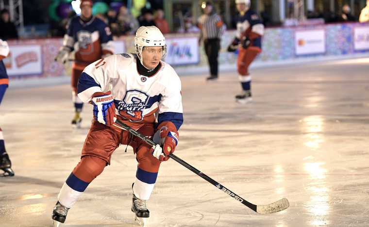 Путин хоккей