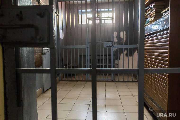 заключенные обманывают россиян