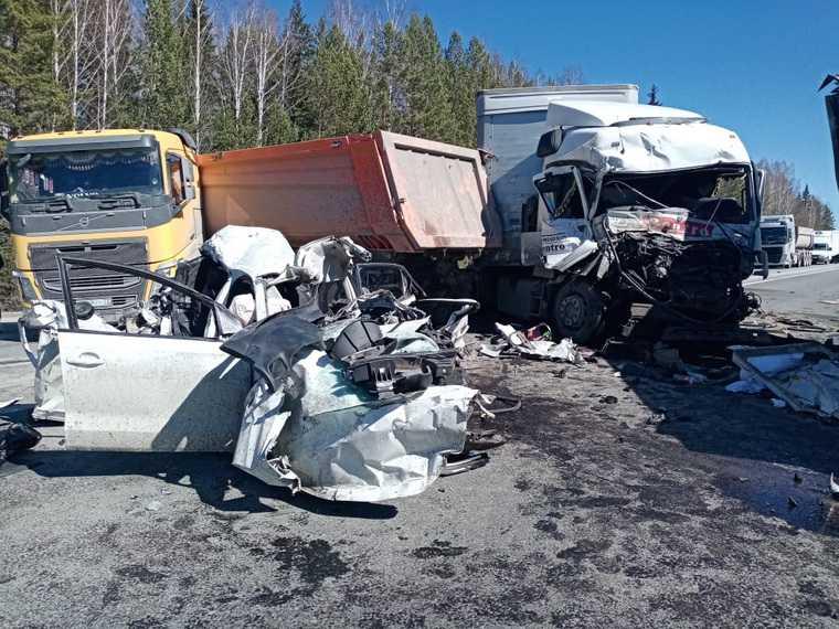 массовое ДТП 5 грузовиков погибший трасса Екатеринбург — Тюмень Свердловская область